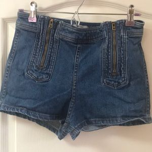 Free People denim jean shorts. Zipper 27